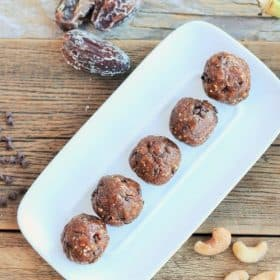 chocolate chip banana bread energy bites
