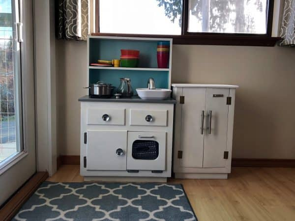 Play kitchen for kid
