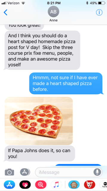 text exchange about a heart shaped pizza