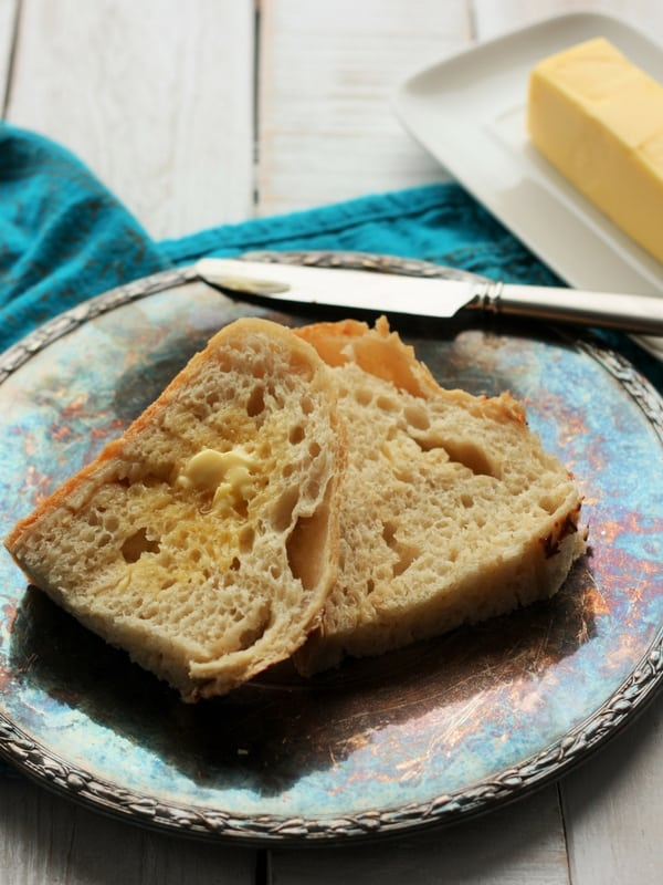 Roasted Garlic and Asiago Cheese No Knead Bread