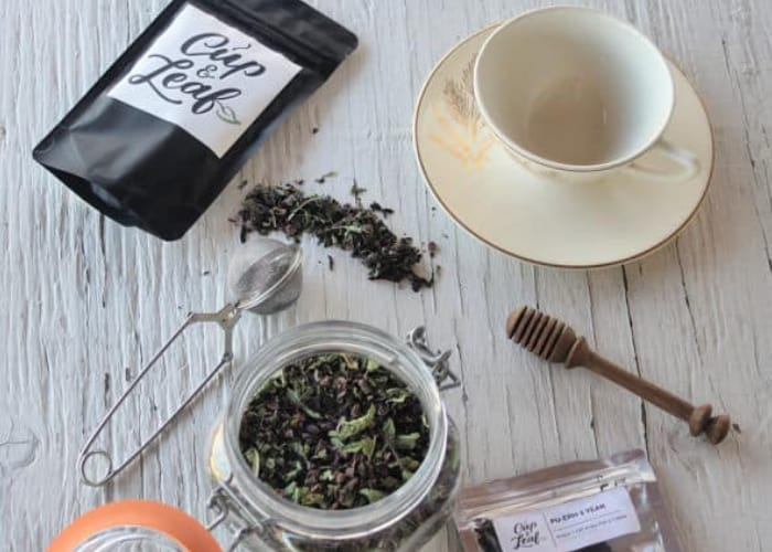 ingredients for chocolate mint tea