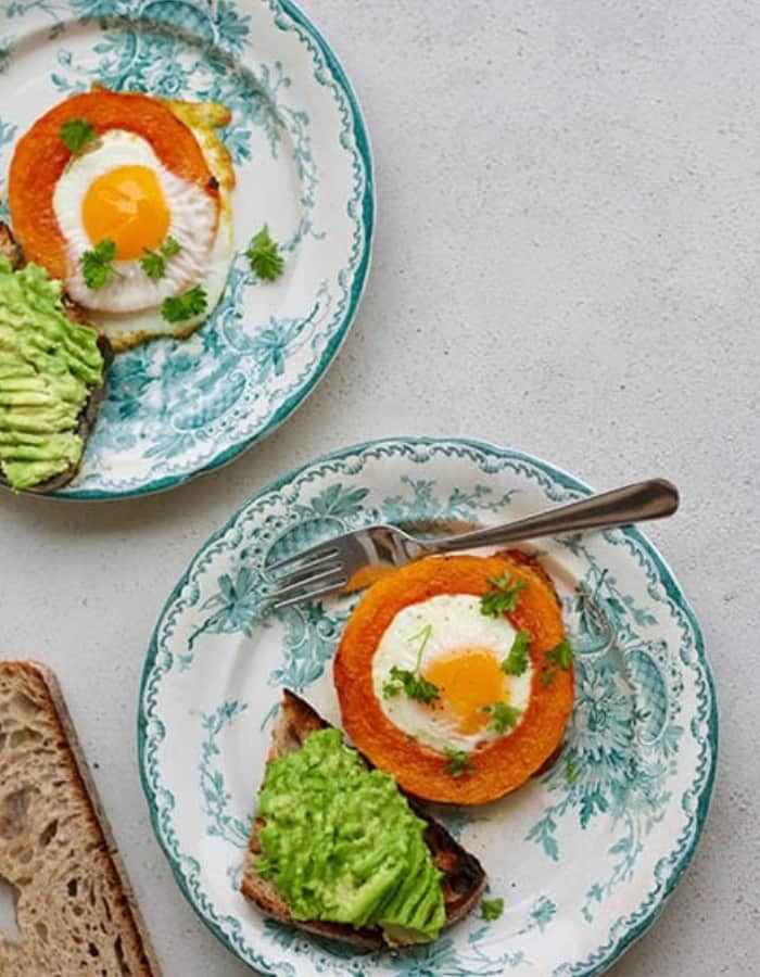 eggs in a squash hole for whole30 breakfast ideas