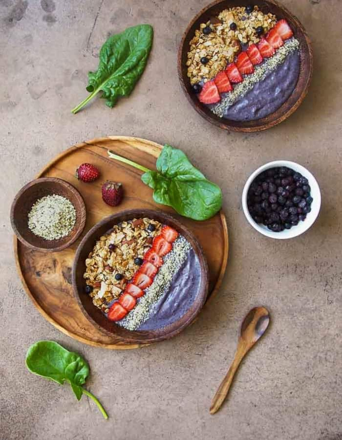 berry cauliflower smoothie bowl for whole30 breakfast ideas