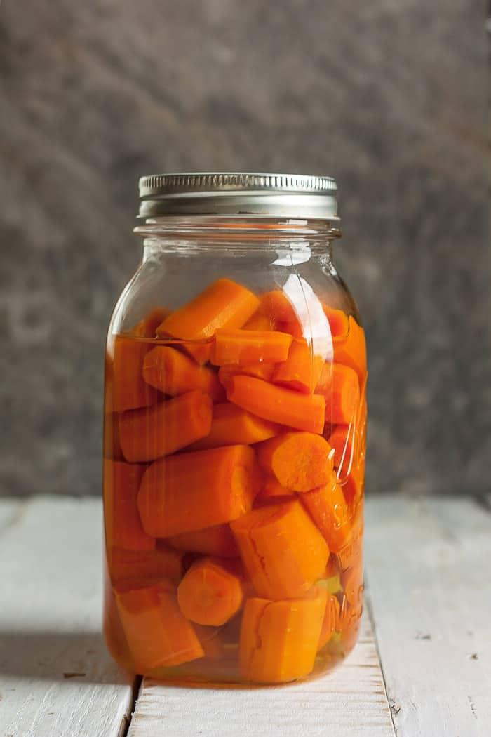 a quart jar of carrots