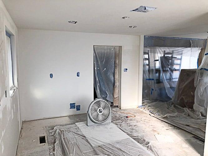 a white kitchen wall